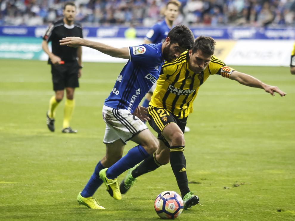 Un punto de oro en Oviedo para un Zaragoza deslavazado y defensivo