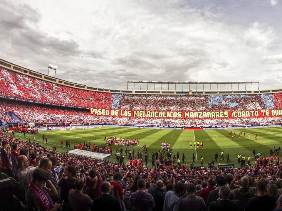 Mosaico gigante para despedir el Calderón en partido oficial.