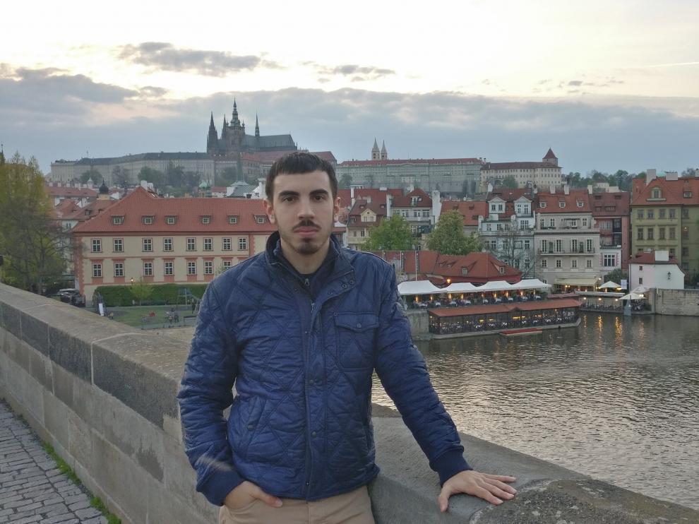 Carlos Sánchez en Praga, a donde se ha trasladado con un contrato de la Universal Productions Partner.