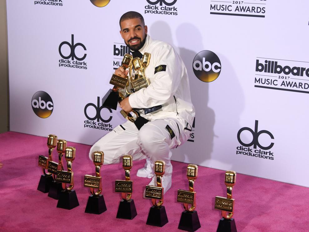 Drake con sus 13 premios, una cifra récord.