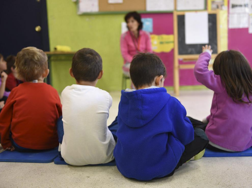 Imagen de archivo de una clase en un colegio de Huesca