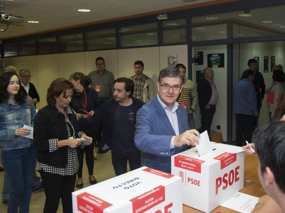 El secretario general del PSOE en Teruel, Vicente Guillén.