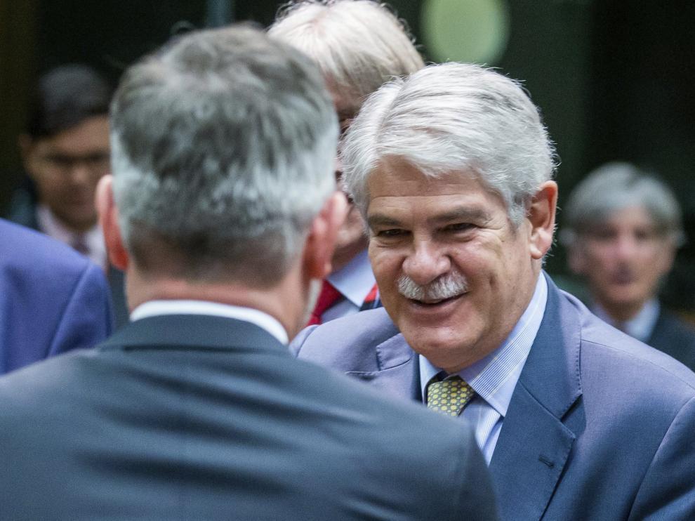 El ministro de Exteriores español, Alfonso Dastis, al inicio de la reunión del Consejo Europeo en Bruselas.