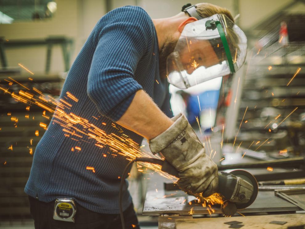 El sector del metal busca personal cualificado.