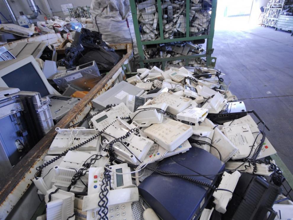 El reciclaje de residuos electrónicos es una práctica cada vez más extendida.