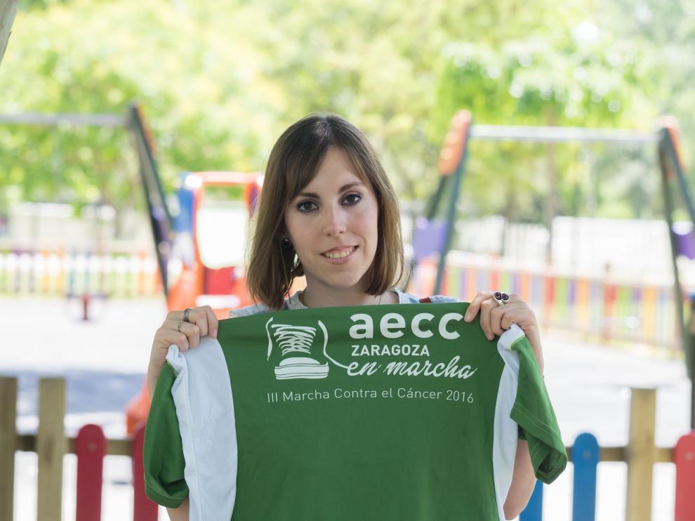 María Pastor, de 25 años, dedica parte de su jornada a ayudar a niños con cáncer en el Hospital Infantil.