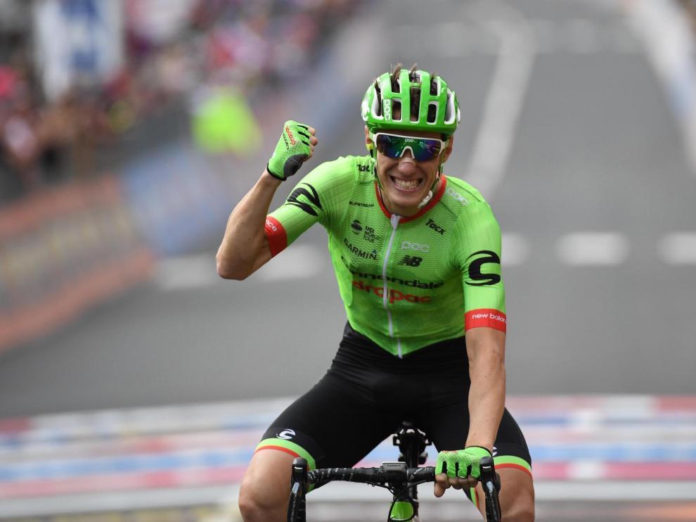 Rolland celebra con rabia su triunfo en la 17ª etapa del Giro de Italia.