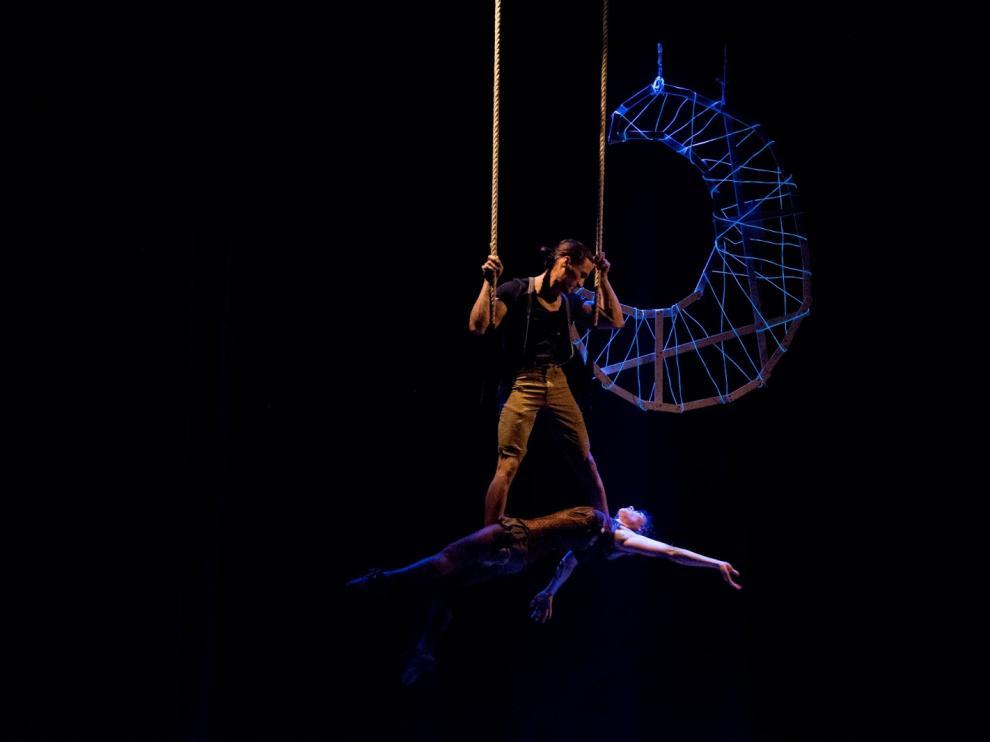 Momento del espectáculo 'Elhoy' de La Cúpula Circo Narrativo.