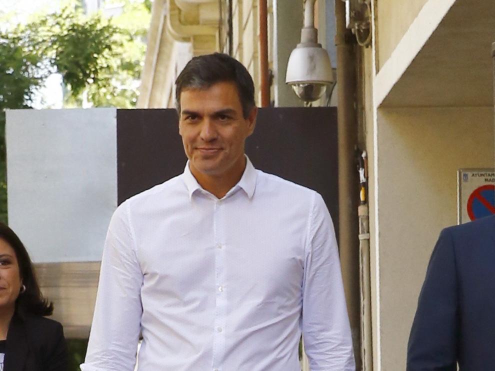 Pedro Sánchez a su llegada a la sede del partido este miércoles.