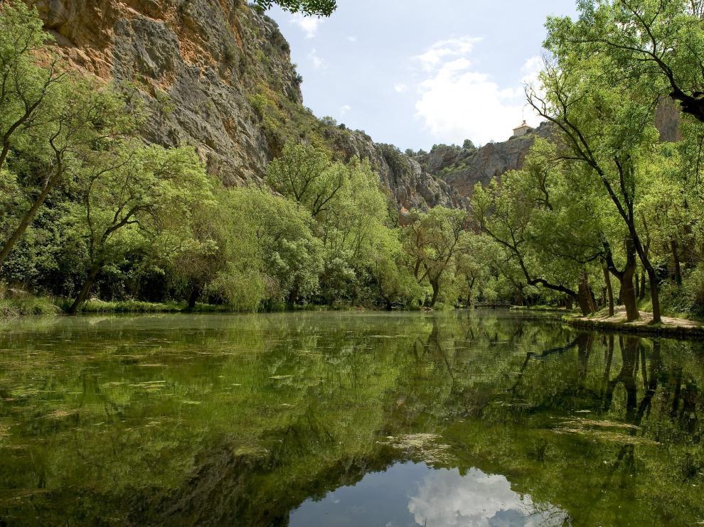 Lago del Espejo en el Monasterio de Piedra.
