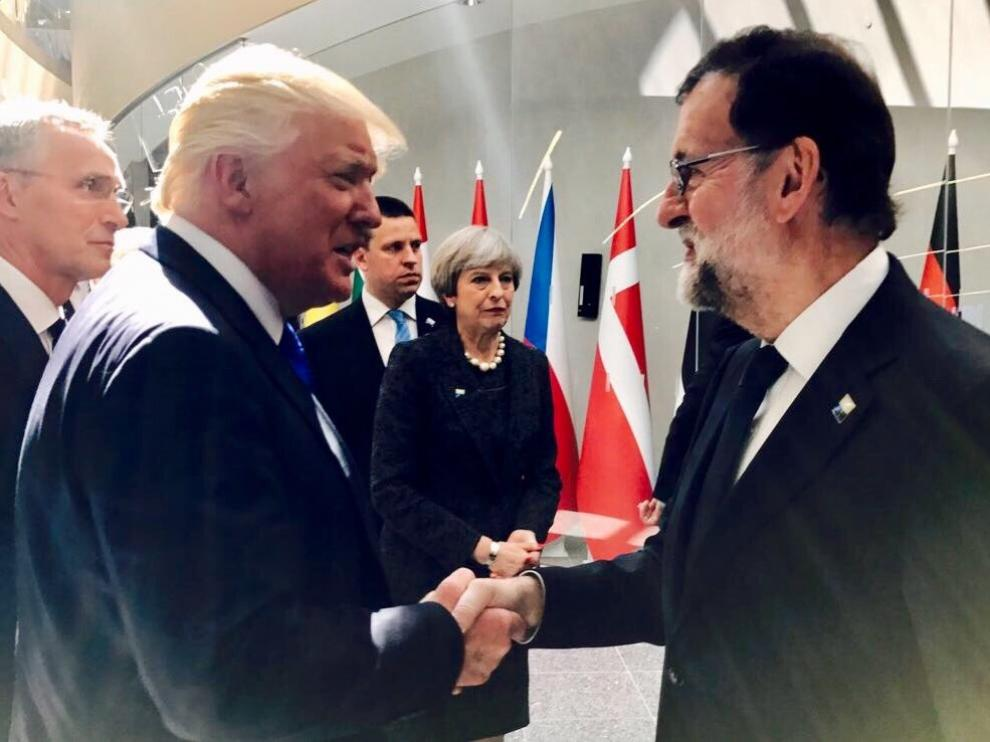 Saludo entre Mariano Rajoy y Donald Trump.