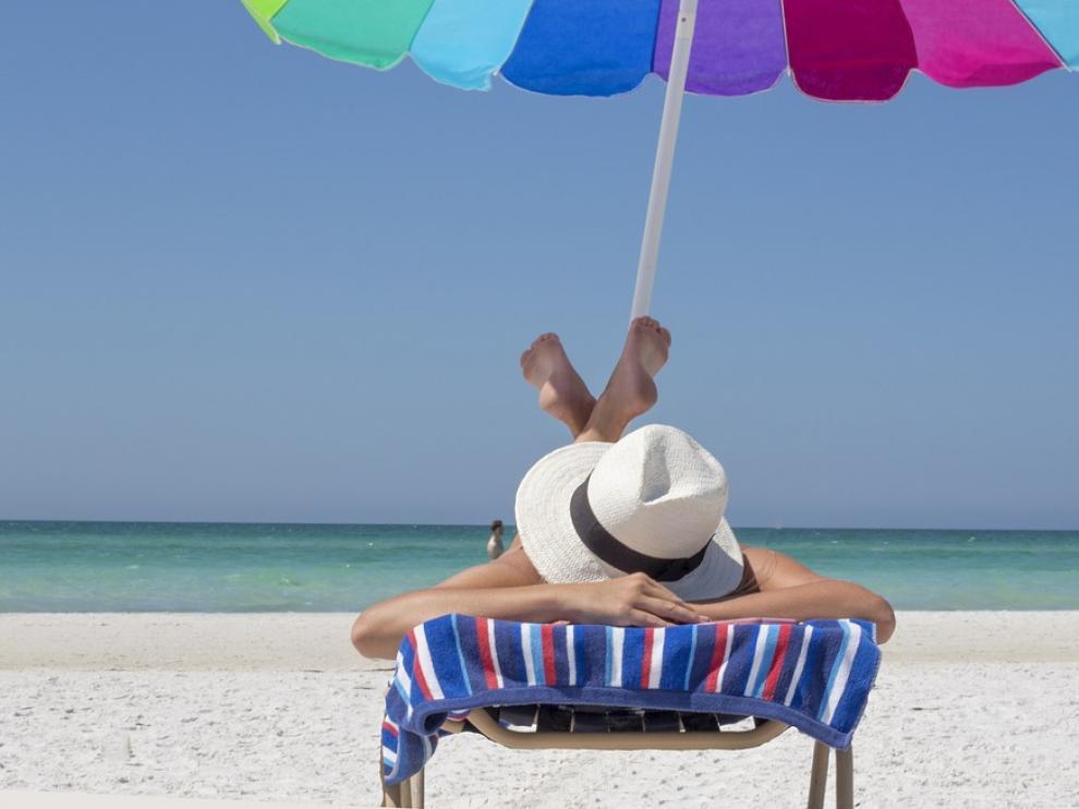 Es importante protegerse adecuadamente antes, durante y después de tomar el sol.