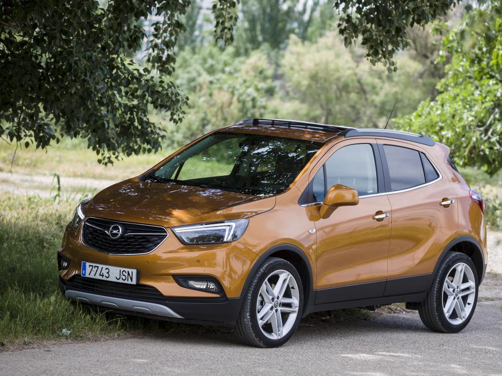 El Opel Mokka X, en el Parque del Agua de Zaragoza, es un todocamino de estética joven y deportiva.