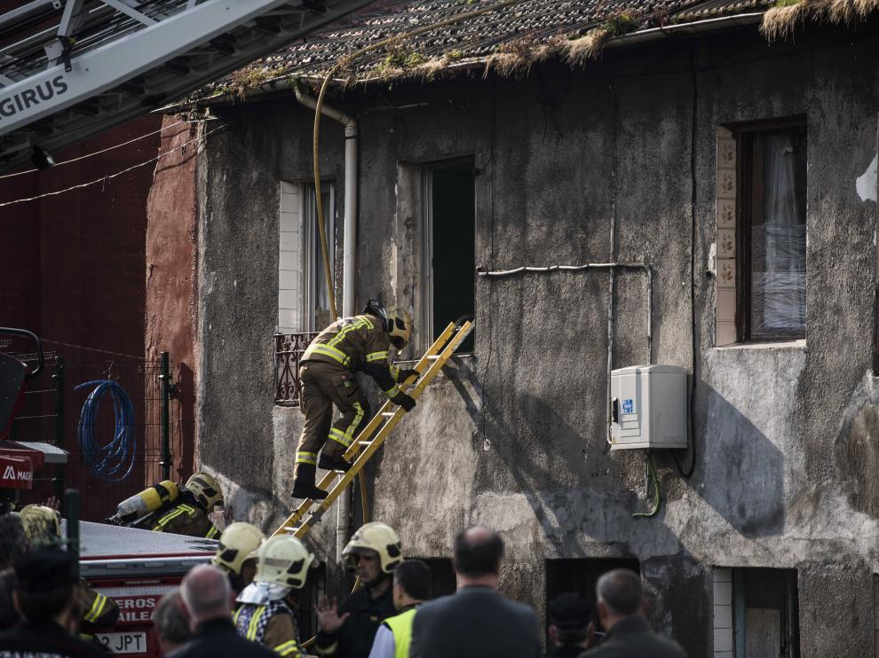 Cuatro muertos, entre ellos un bebé, en un incendio en Bilbao