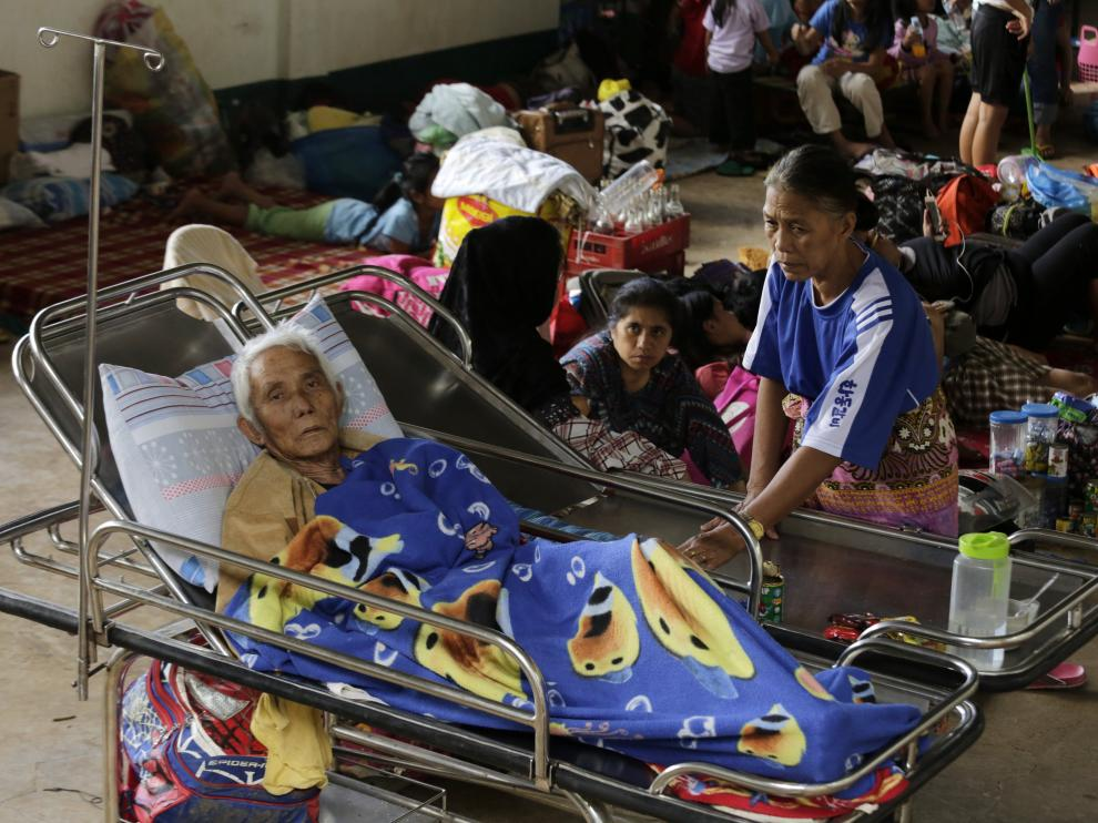 Filipinos desplazados por los ataques yihadistas.