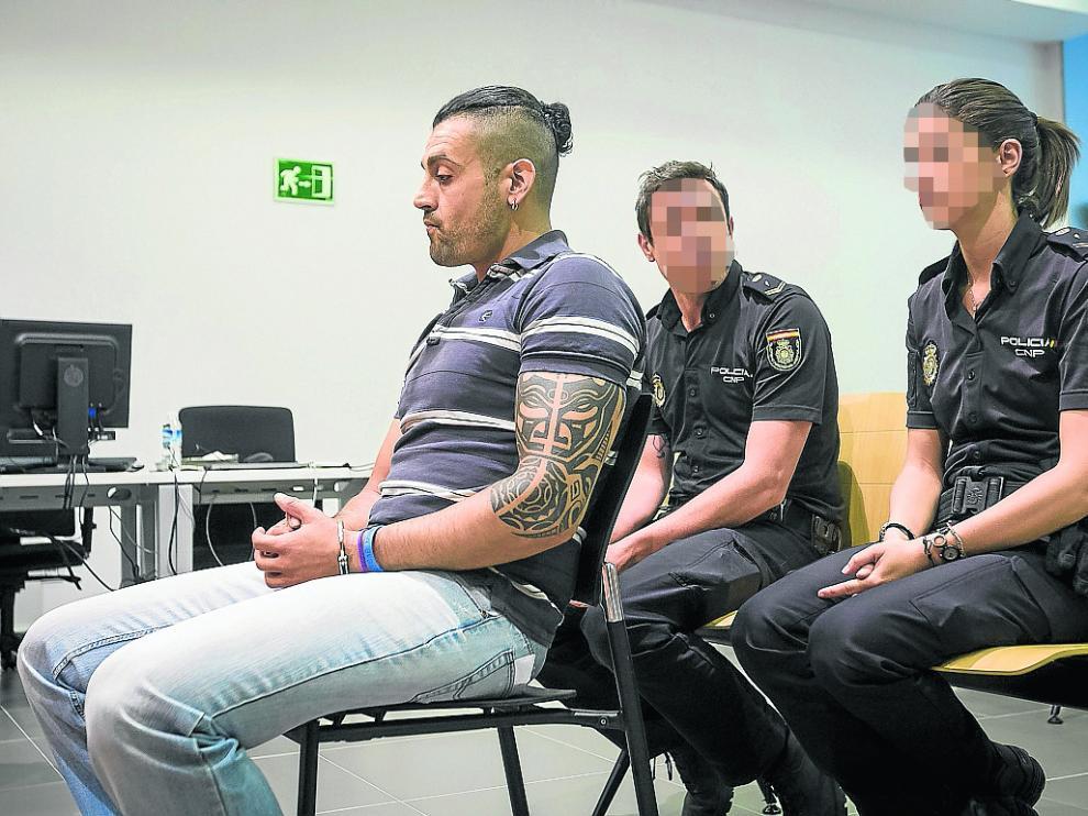 El acusado, Carlos S. G., durante el juicio que se celebró ayer en la Audiencia Provincial.