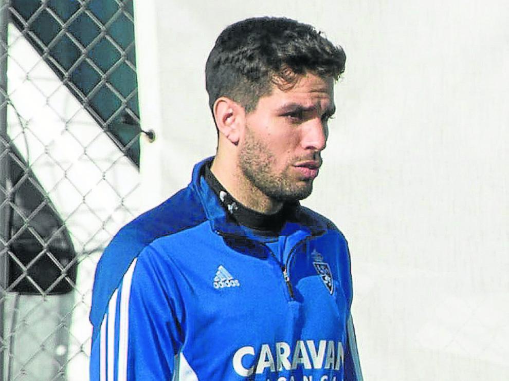 Leandro Cabrera, en un entrenamiento del Real Zaragoza.