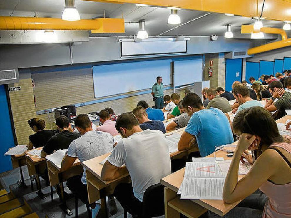 La Academia de Calatayud es habitualmente sede de pruebas selectivas.