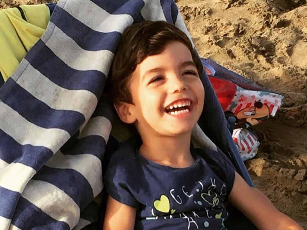 Una mutación genética en un niño de 5 años promueve una campaña para su investigación.