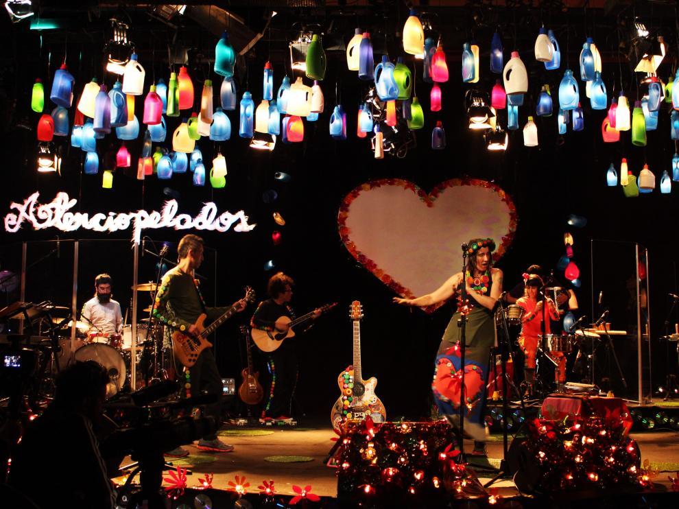 Los colombianos Aterciopelados abrirán su gira nacional en Aínsa el 7 de julio.