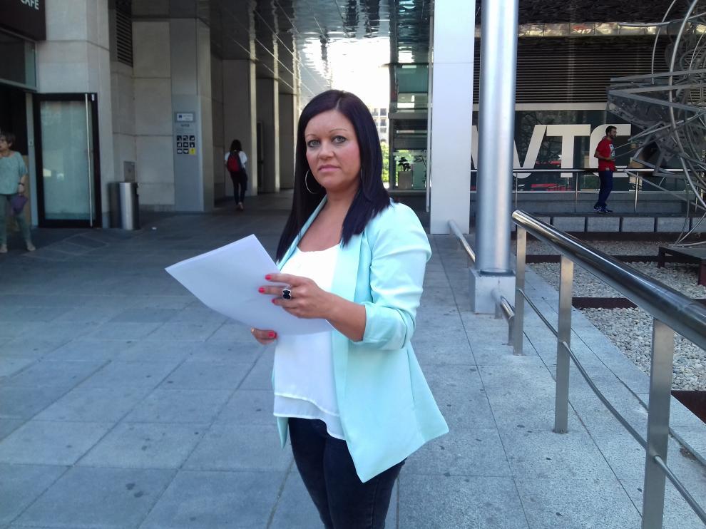 Ana Sarmentero, víctima de violencia de género, ha recibido una multa porque su hija no quiere ver a su padre en el punto de encuentro.