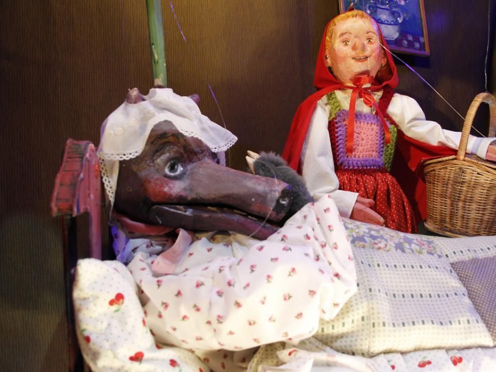 Teatro de la Estrella llega con su espectáculo 'Caperucita y otros lobos' al Teatro Arbolé.