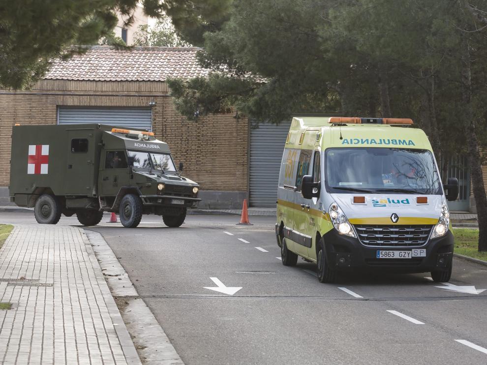 Imagen de archivo de ambulancias en el Hospital Militar de Zaragoza