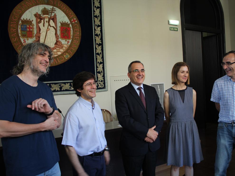 Diego Gutiérrez, Vicente Ferreira, Luis Miguel García Vinuesa, Esther Pueyo y Pablo Laguna, durante la presentación esta mañana de los cuatro nuevos proyectos Marie Curie