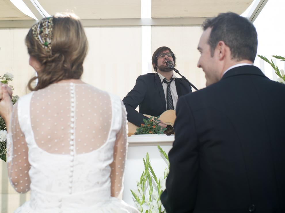 El zaragozano Luis Cebrián, ejerciendo de maestro de ceremonias en una boda en Zaragoza.