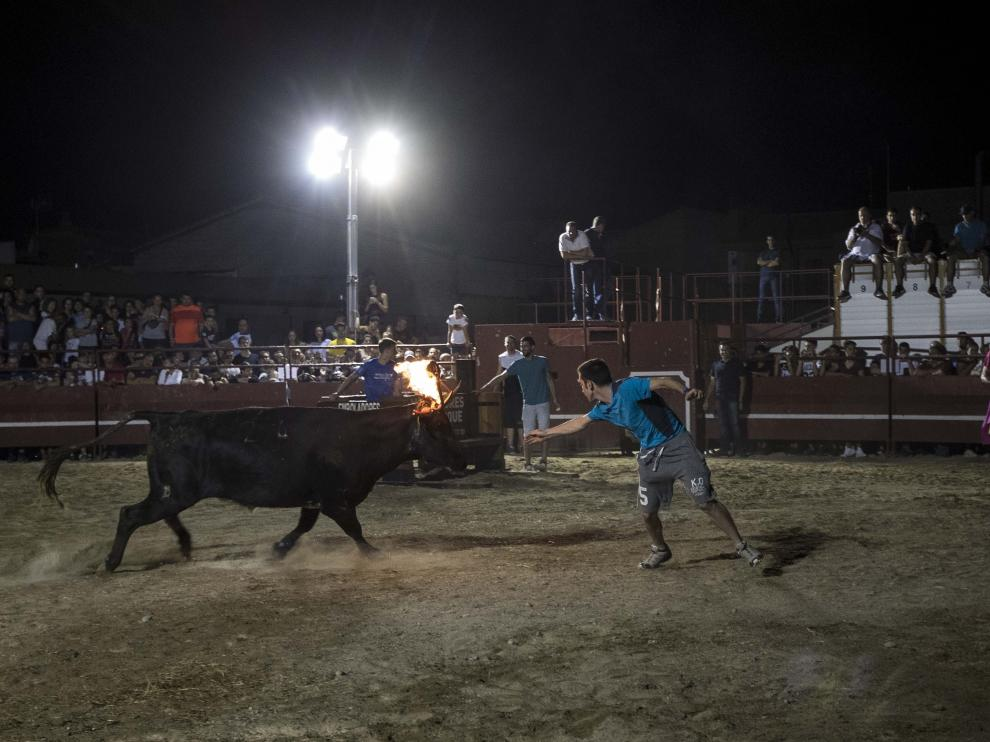 San Juan sortea el veto de ZEC y recupera el toro de fuego en un ruedo portátil