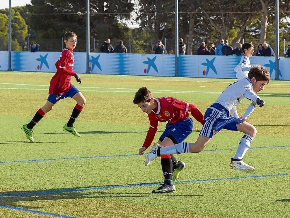 Un partido de la presente campaña entre el Real Zaragoza y el Montecarlo de categoría alevín preferente.