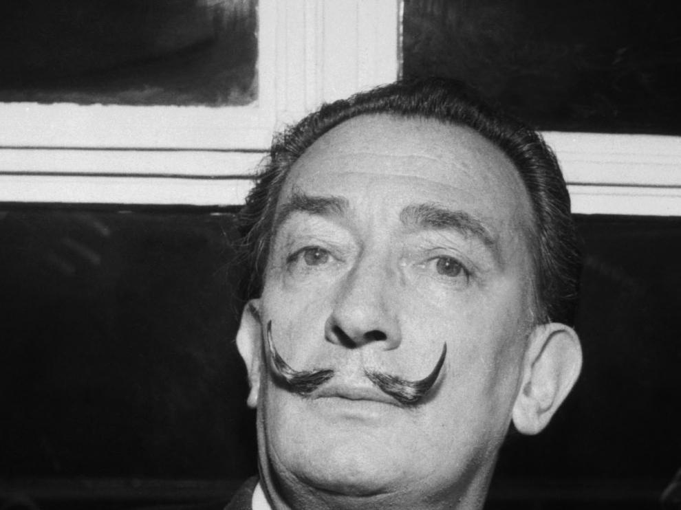 Foto de archivo de Salvador Dalí.