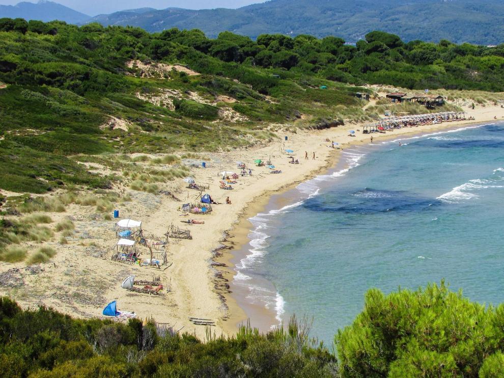 Playa nudista en el Mediterráneo.