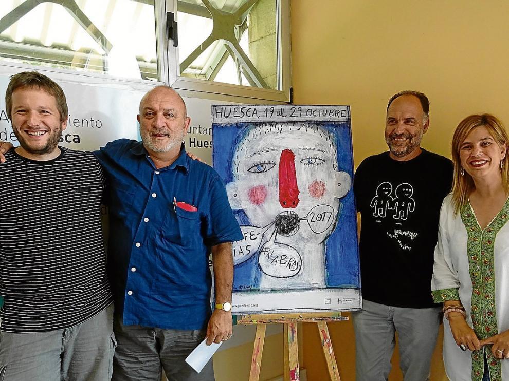 Orencio Boix, Antonio Santos, Luis Lles y la concejal Yolanda de Miguel presentaron el cartel.
