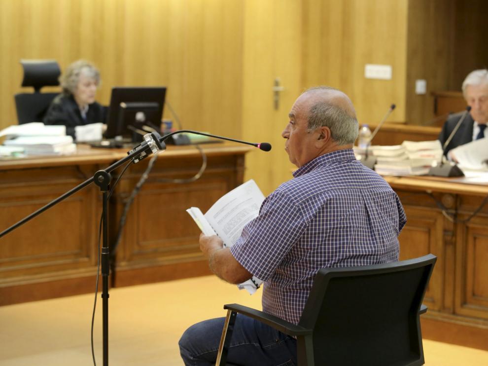 Javier Mur, en el juicio que ayer comenzó contra él en la Audiencia de Huesca.