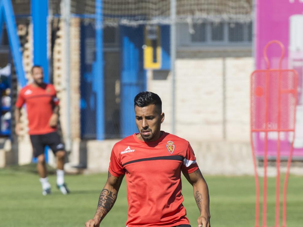 Jorge Díaz, durante un entrenamiento con el Real Zaragoza.