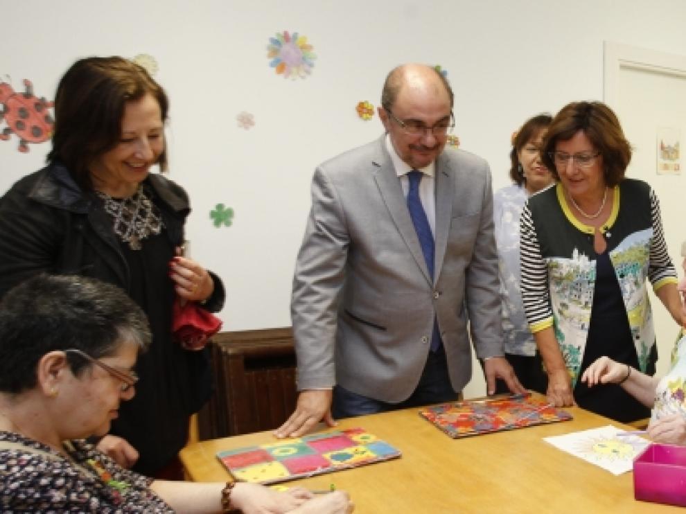 Lambán en la visita este sábado a la residencia de mayores de Tarazona.