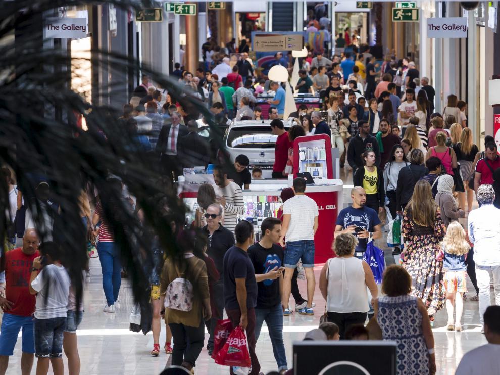 La mejora del consumo es una de las circunstancias que elevó la recaudación en 2016.
