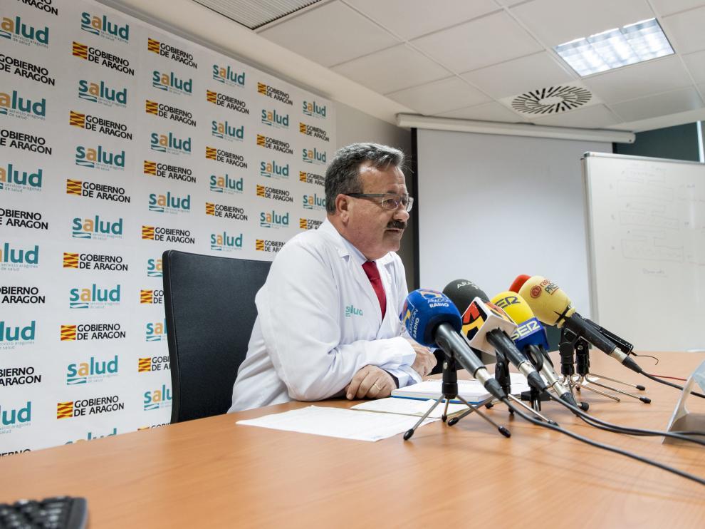 El gerente del sector II de Zaragoza explicó ayer las obras de la unidad de Psiquiatría.