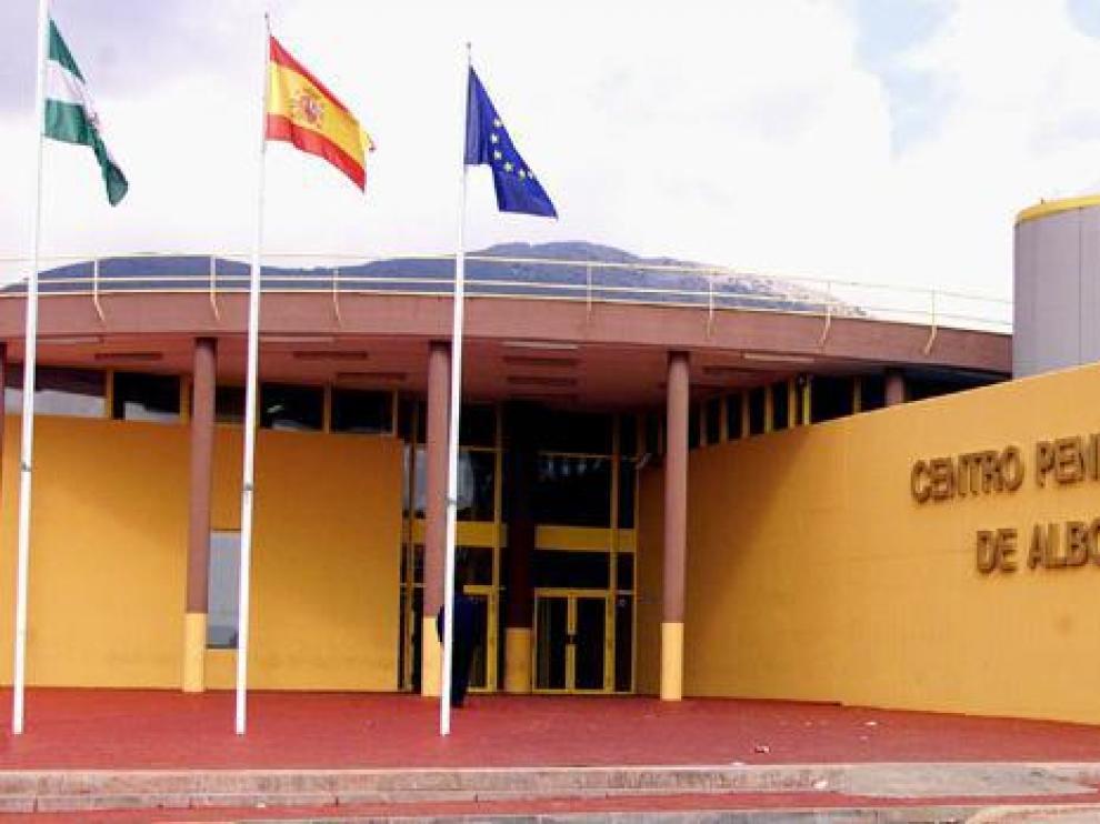 Fachada de la prisión de Albolote, en Granada.