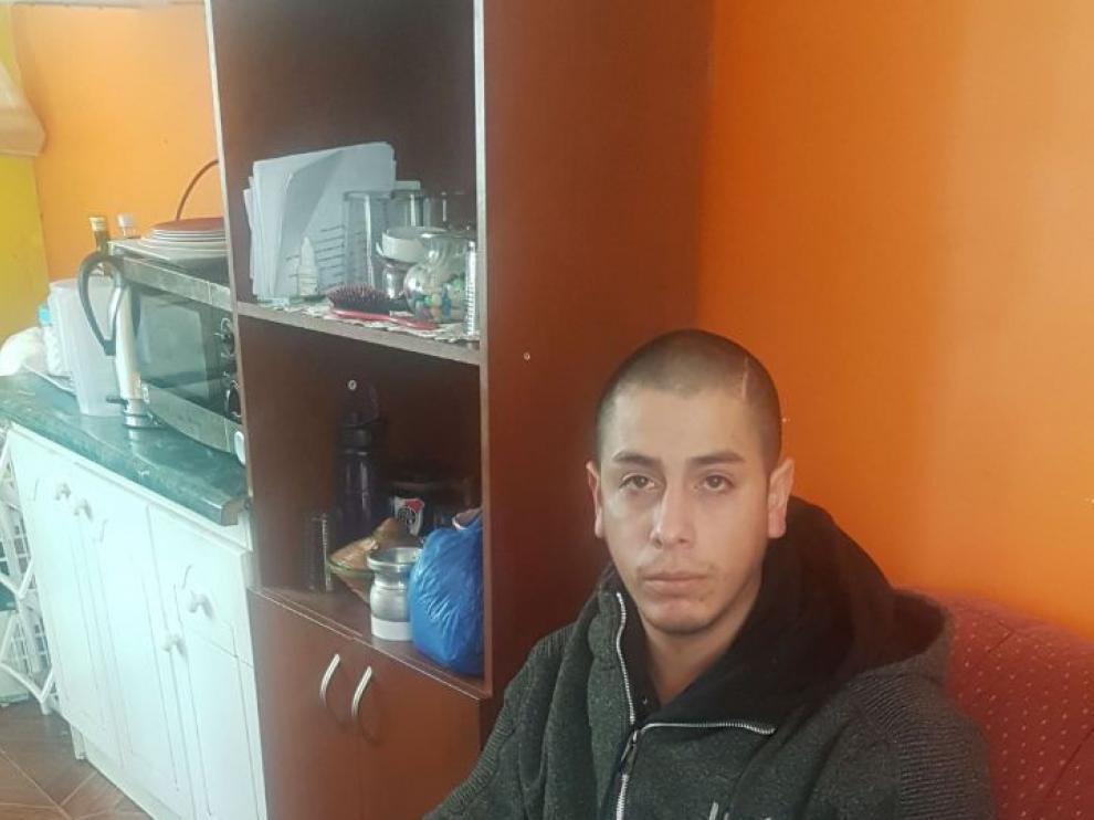Manuel Briones, en su domicilio de Valparaíso (Chile).