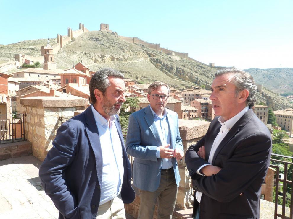El presidente del Partido Popular de Aragón, Luis María Beamonte, ha visitado Albarracín.