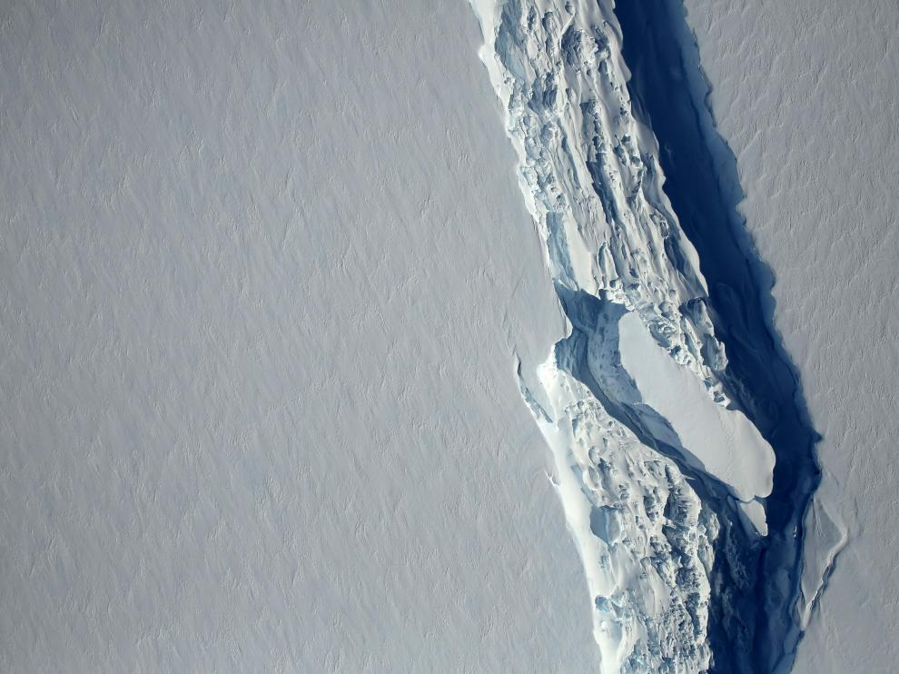 Grieta en el segmento Larsen C de la Antártida