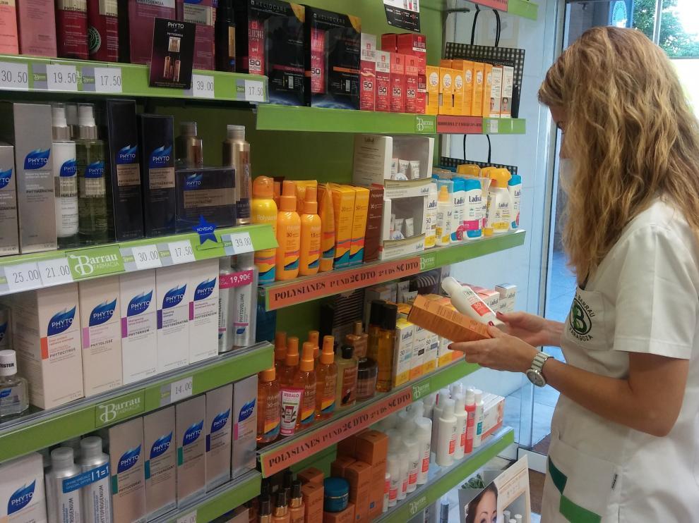 Los expertos recomiendan elegir una crema que proteja contra las cuatro radiaciones (ultravioleta A, ultravioleta B, infrarrojos e invisibles).