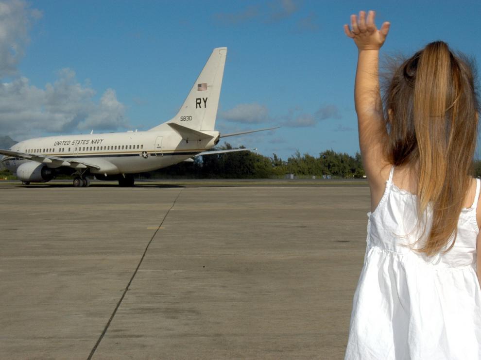 Los viajes en avión son uno de los grandes retos de los viajes familiares.
