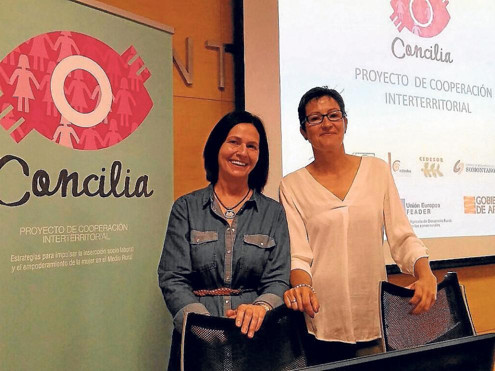 Olga Brosed ( izquierda), e Isabel Lisa, vicepresidenta de Ceder, en la presentación de Concilia.