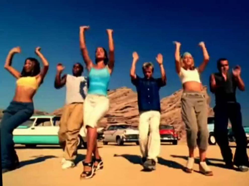 Una imagen del videoclip de 'S Club party', de S Club 7, de finales de los 90.