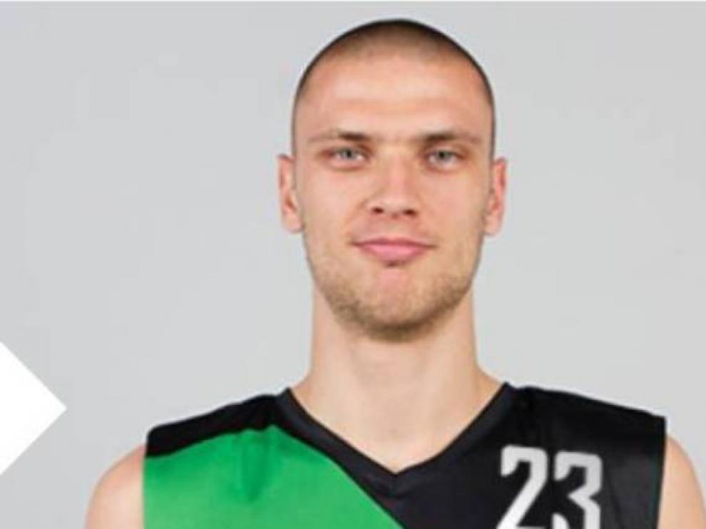 Michal Michalak refuerza el juego exterior de Tecnyconta Zaragoza.
