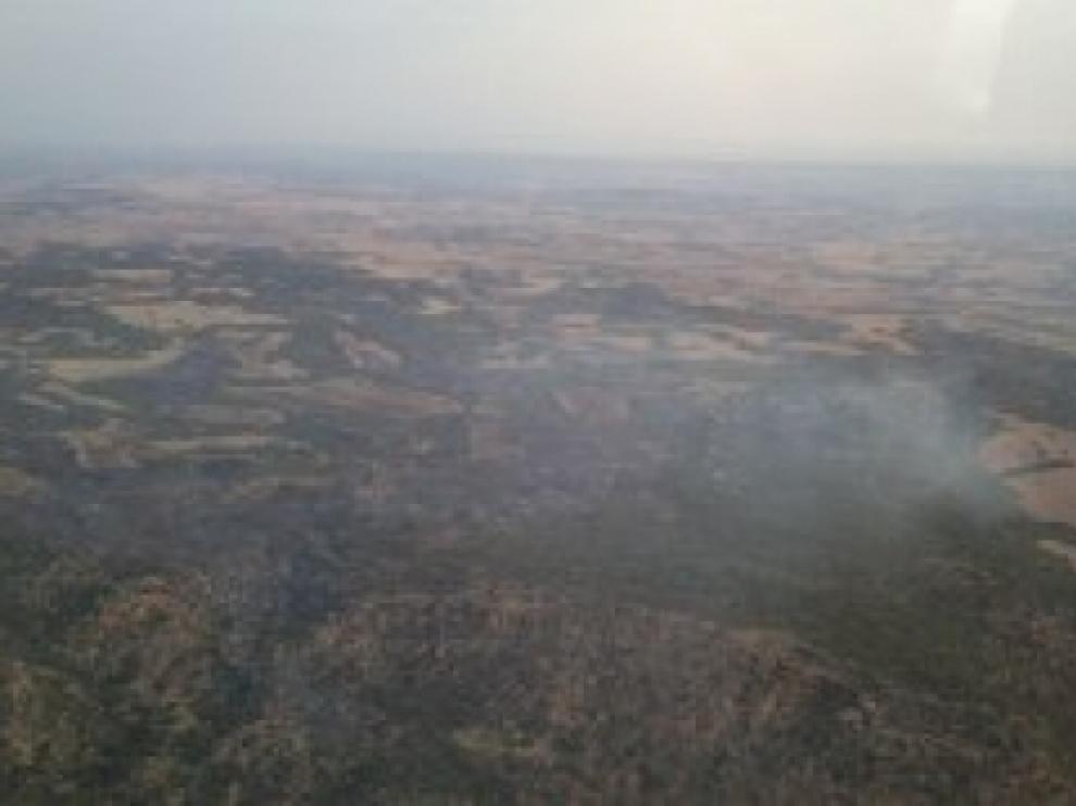 Una tormenta seca con aparato eléctrico provocó cuatro focos de incendios a última hora de este lunes en el Bajo Aragón.
