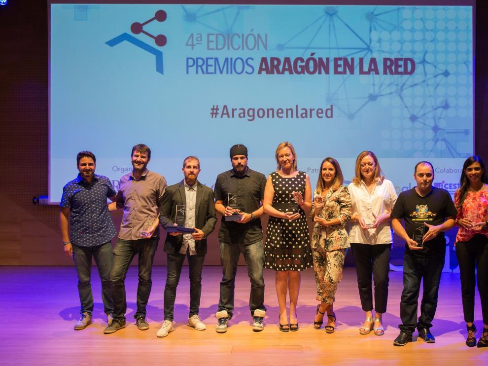 Todos los galardonados en la gala de los premios Aragón en la Red.
